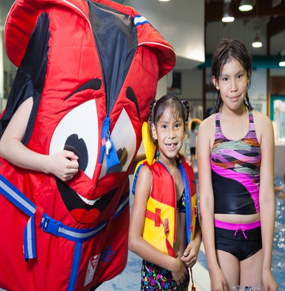 Lifejacket Mascot with 2 Girls
